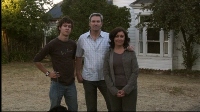 lake-mungo-ghost-alice-movie-creepy-family